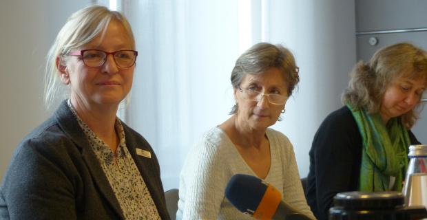 (v.l.) Veronika Bujny, Brigitte Salisch (beide Hebammenverband Niedersachsen), Ines Appel (Diakonie Hittfeld-Winsen)